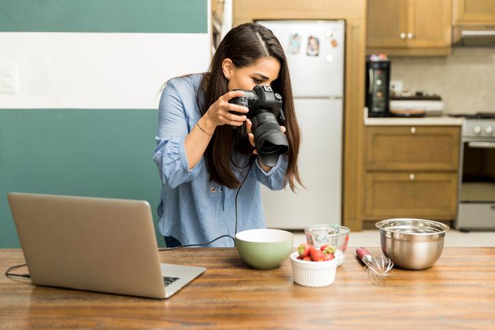 Behöver man utbilda sig för att bli proffsbloggare?